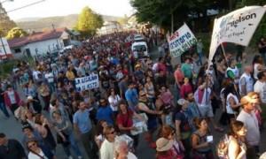 Más de 10 mil personas marcharon por el agua en El Bolsón – Río Negro